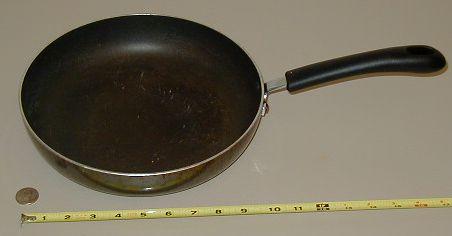 Kitchen pan