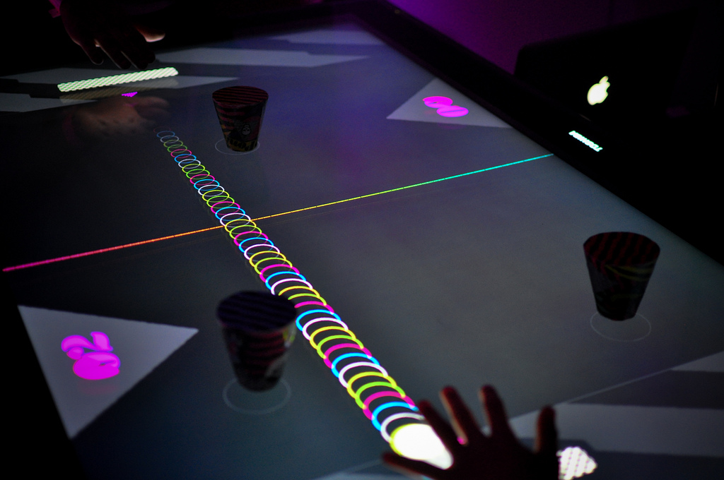 ponk  touchless air hockey  with kinect   flash  groovy
