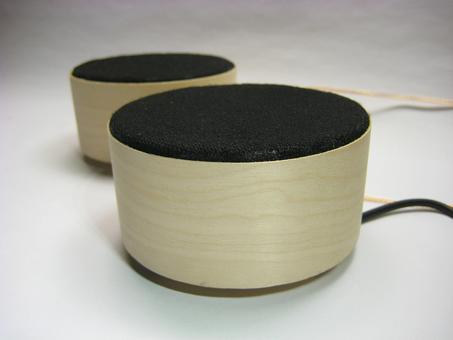Fab Speakers: Open Source Portable Speakers, Online and in