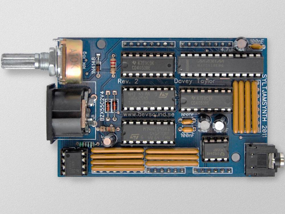 Sjs one open arduino based synth with crazy cases and