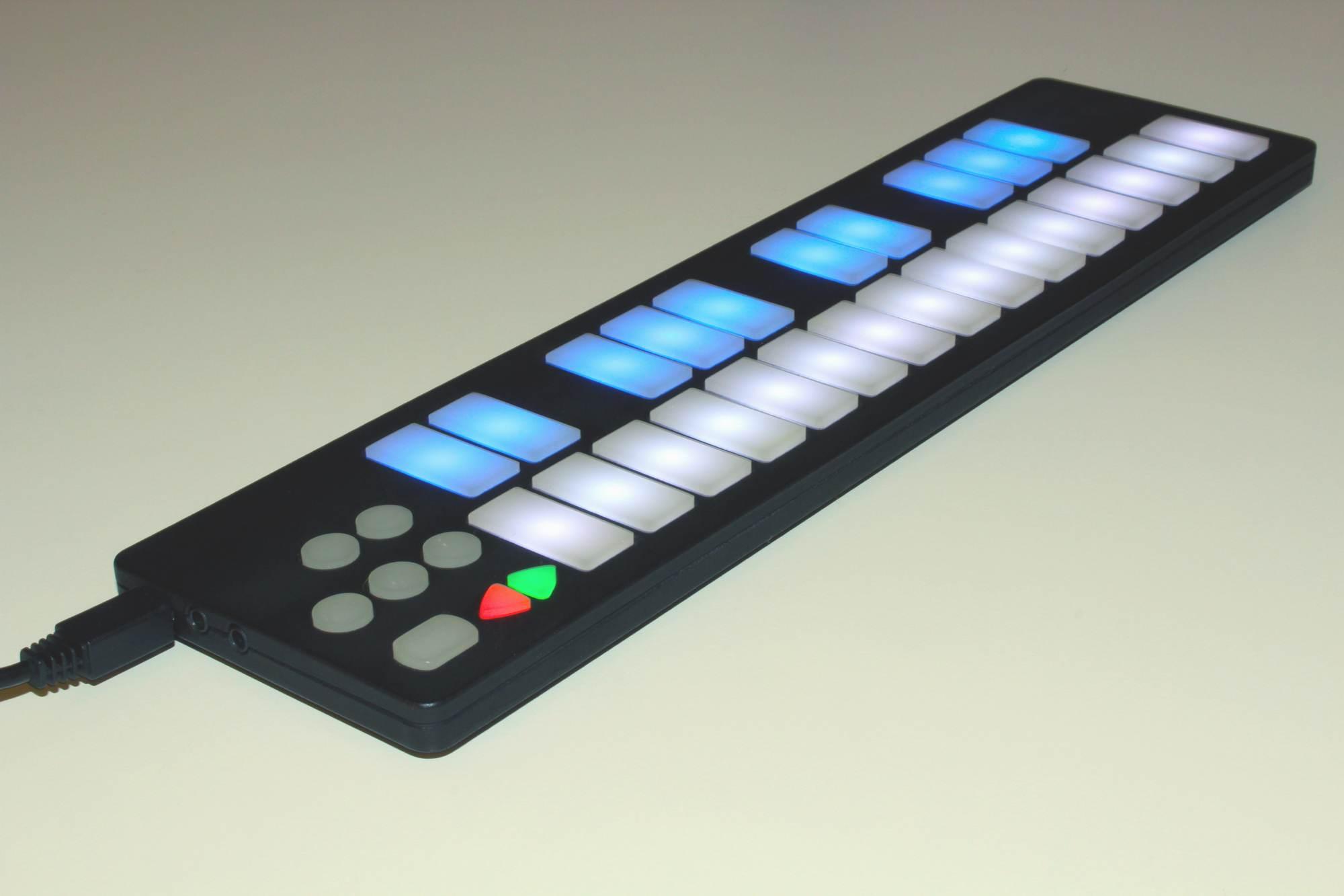 QuNexus is Touch-Sensitive, Tilt Mini-Keyboard with CV, MIDI, OSC