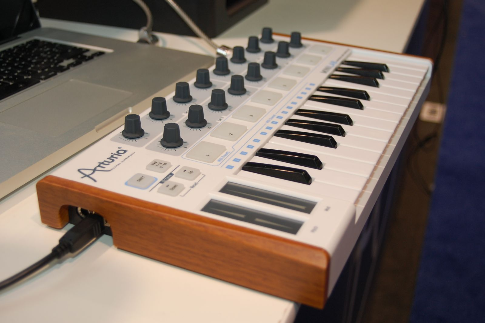 Keys and Knobs and Such, New Gear, in Photos: Notes and