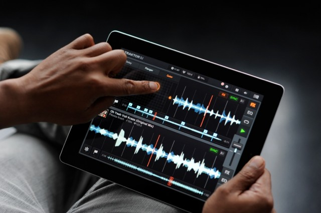 Apart from sample slicing, effects are perhaps the most fun part of Traktor DJ on the iPad. You get the same wild-sounding NI effects from the desktop, now with a nice, X/Y pad interface. (In fact, NI, maybe a separate effects app is in order? Reaktor for iPad? One can dream...)