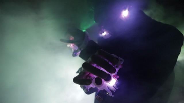 onyx_performing