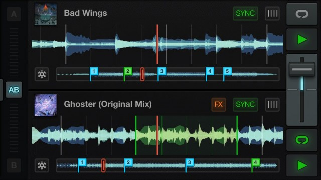 NI_Traktor_DJ_iPhone_Screenshot_Two_Decks