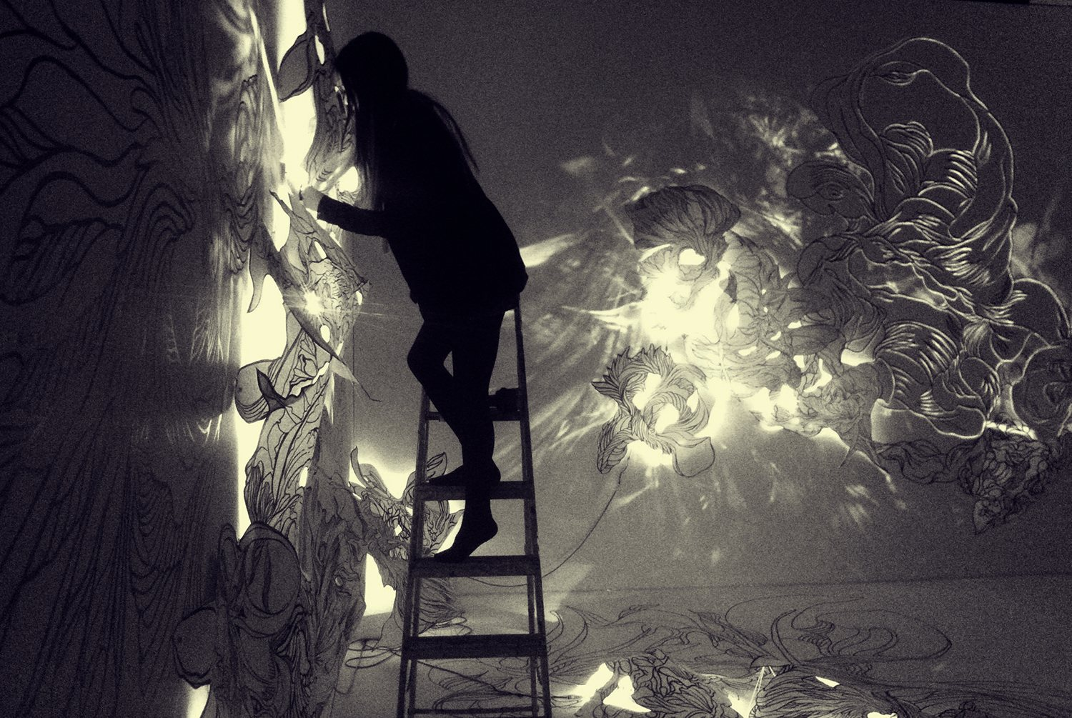 Sougwen Chung S Chiaroscuro Installation Breathes With