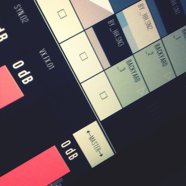 Conductr is a newcomer on the scene from Barcelona. Still in development, a release is expected this summer. It already sports an aesthetically-pleasing design and clever gestural modes that make it easier to quickly get access to parameters you need. But it faces a tight field of entrants.