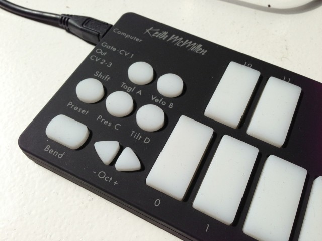 On the left-hand side of the keyboard, you'll find octave toggles, buttons for storing and recalling presets, and the bend function.