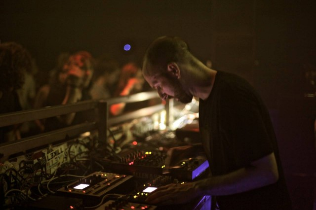Move over, CDJs. Bill is going to take this one off auto-pilot and make it live. At Krake. Photo: Jens Kilz.