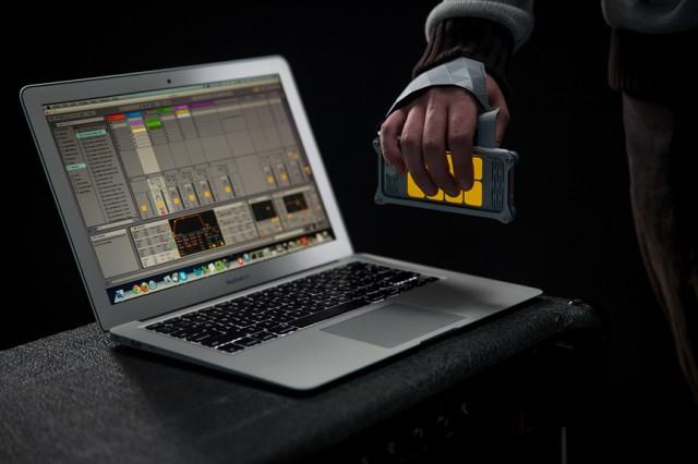 AUUG Motion Synth - wifi MIDI - 313-small