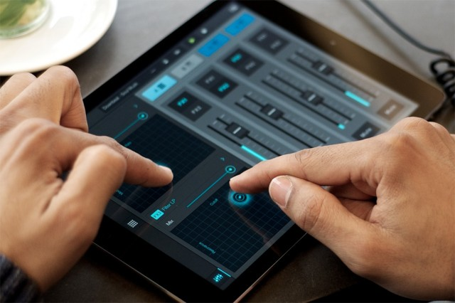 There's a new X/Y effects controller - seen elsewhere, of course, but useful here. And the iPad boasts side-by-side editing with that extra space.