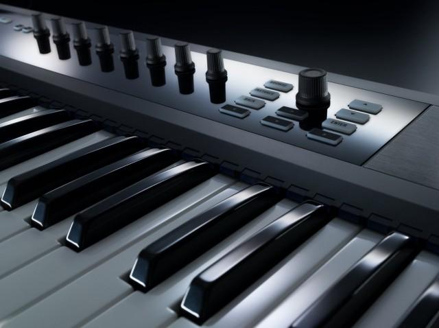 NI_Komplete_Kontrol_S-Series_Keyboards_Perspective_Macro