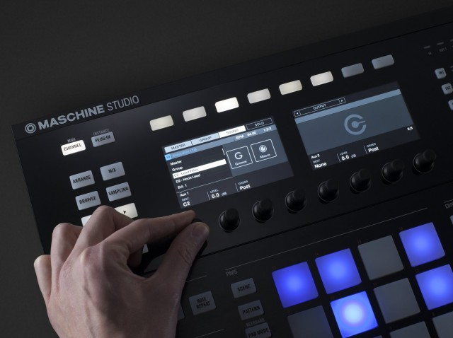 Maschine Studio's knobs and display now do more.