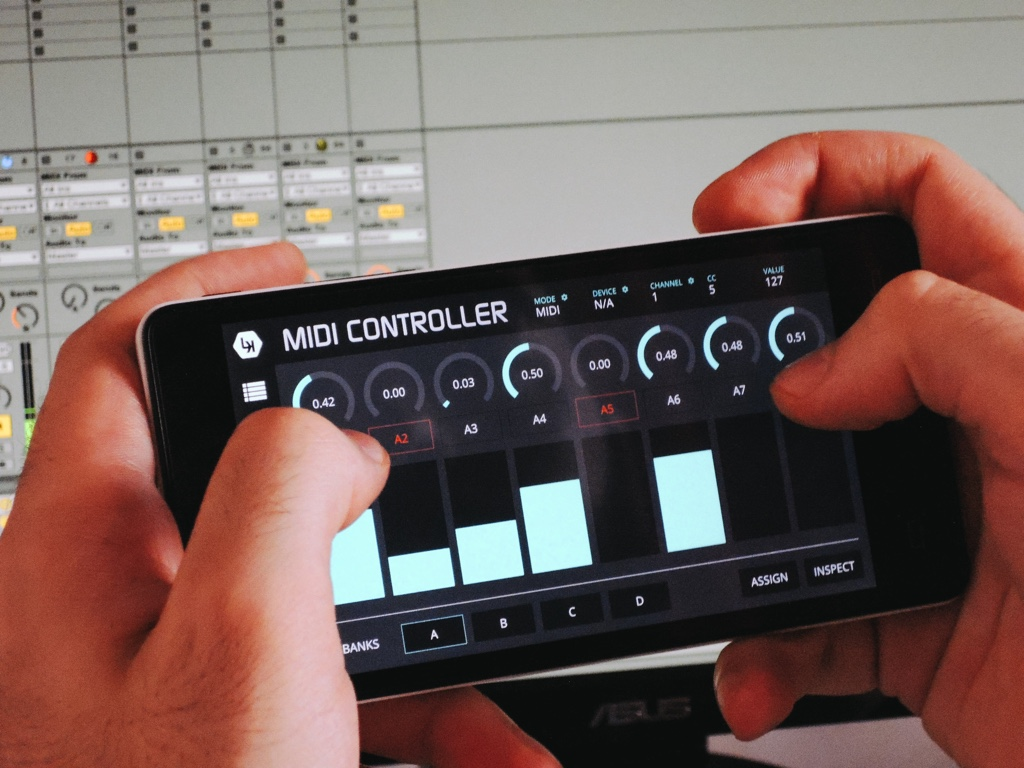 Midi Controller Android : control midi and ableton from your iphone android for handheld music cdm create digital music ~ Russianpoet.info Haus und Dekorationen