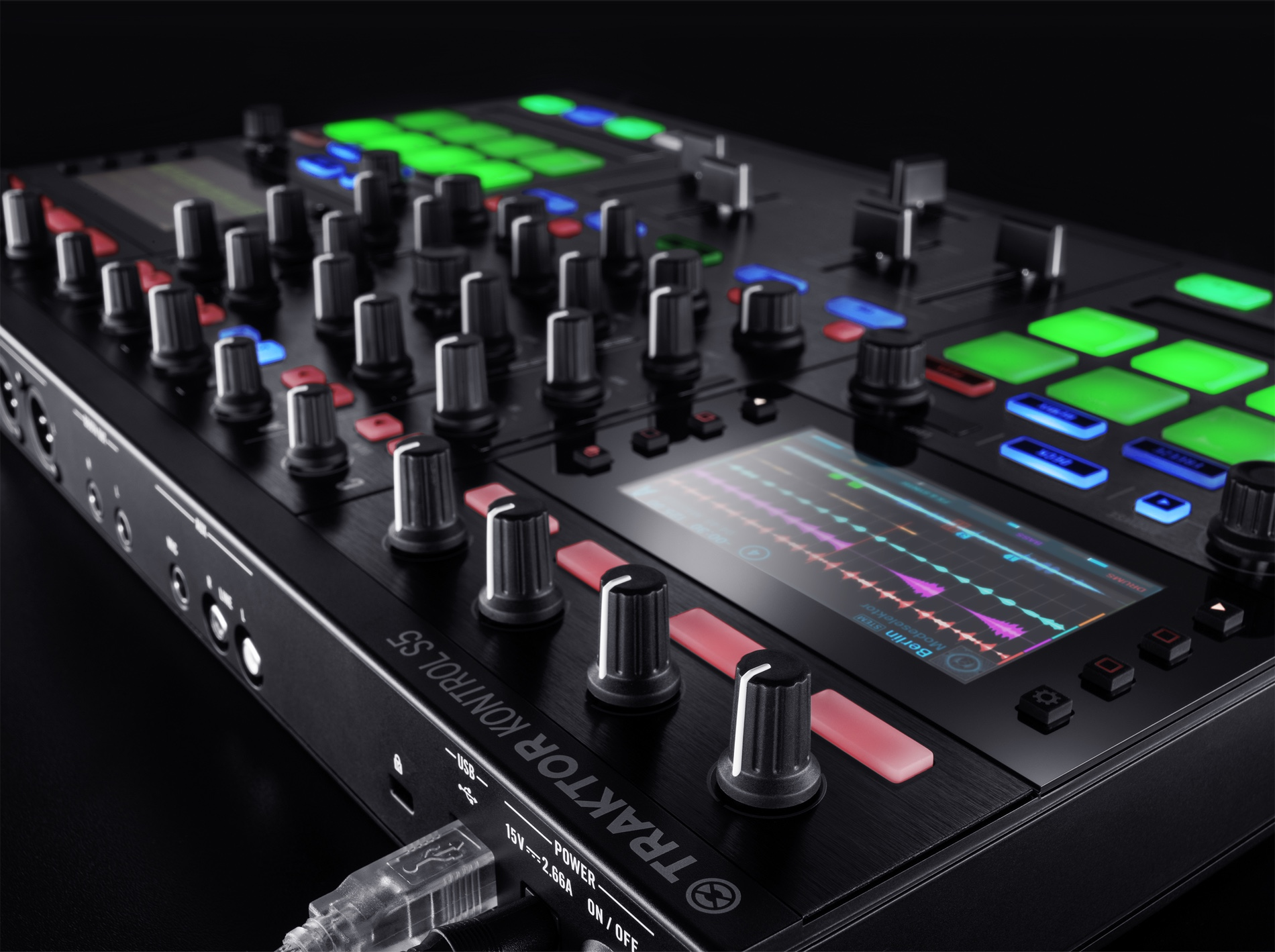 ni 39 s traktor s5 is a more compact all in one dj controller here 39 s how it stacks up cdm create. Black Bedroom Furniture Sets. Home Design Ideas
