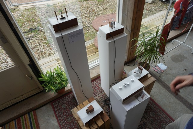 Cas Zeegers' 'noids', boxes with physical synthesizers(2)