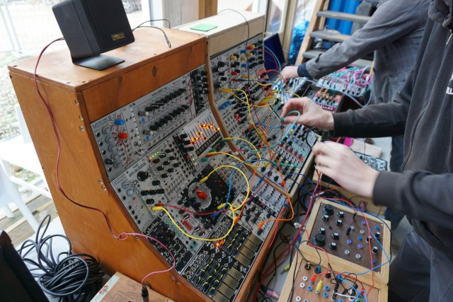 Reverse Landfill's (Martijn Verhallen) mostly DIY modular, with crazy waveshaping and FM, he had been giving modular workshops and noisebox workshops earlier in the week(2)