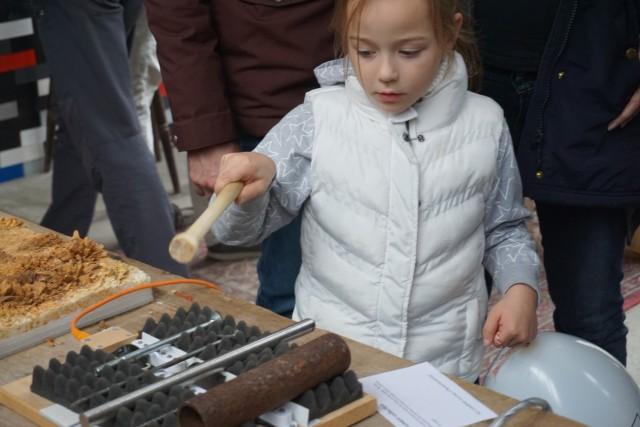 Yuri Landman's instrument being played by a kid