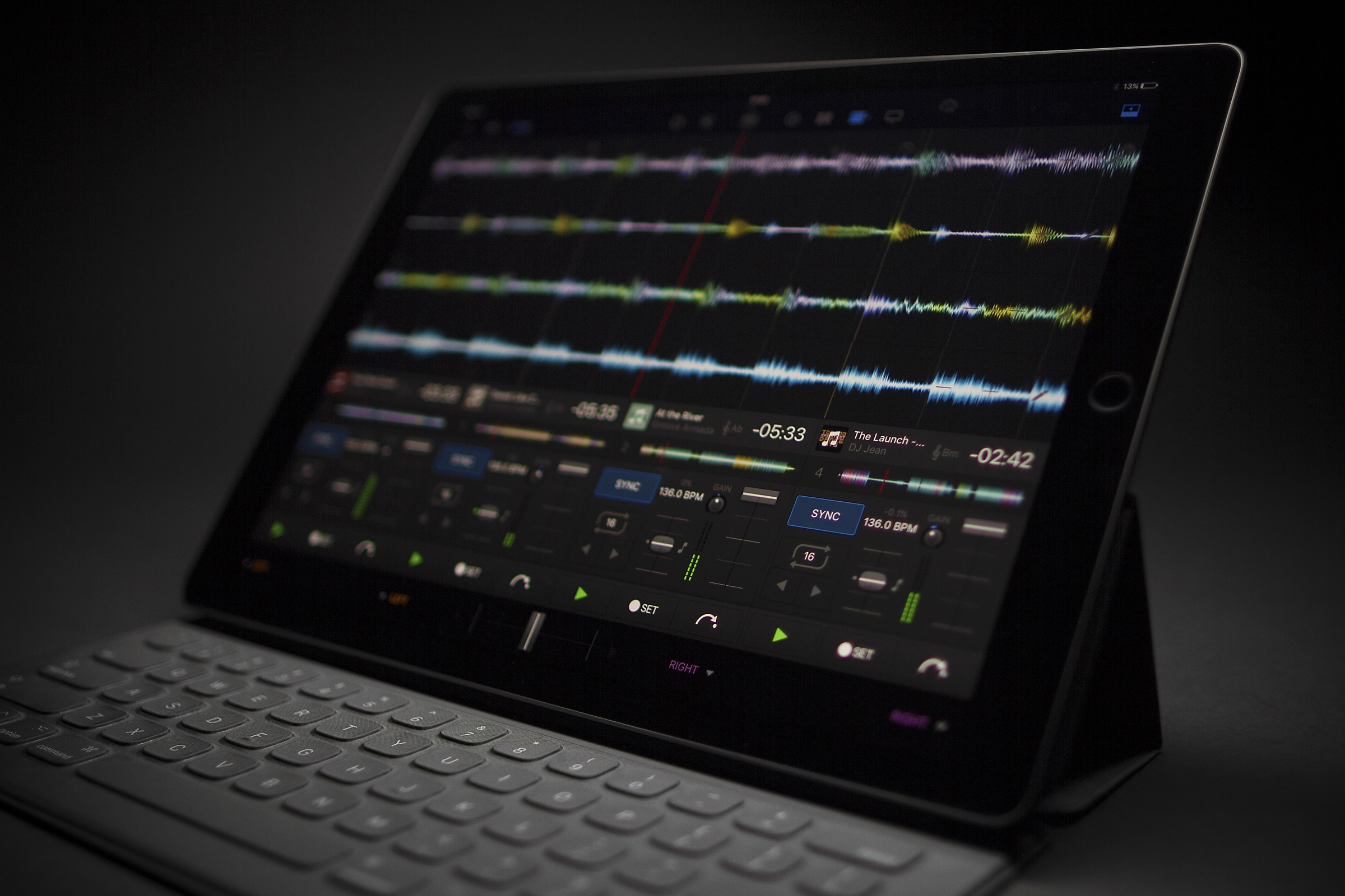 djay Pro could be the iPad Pro's first killer music and VJ