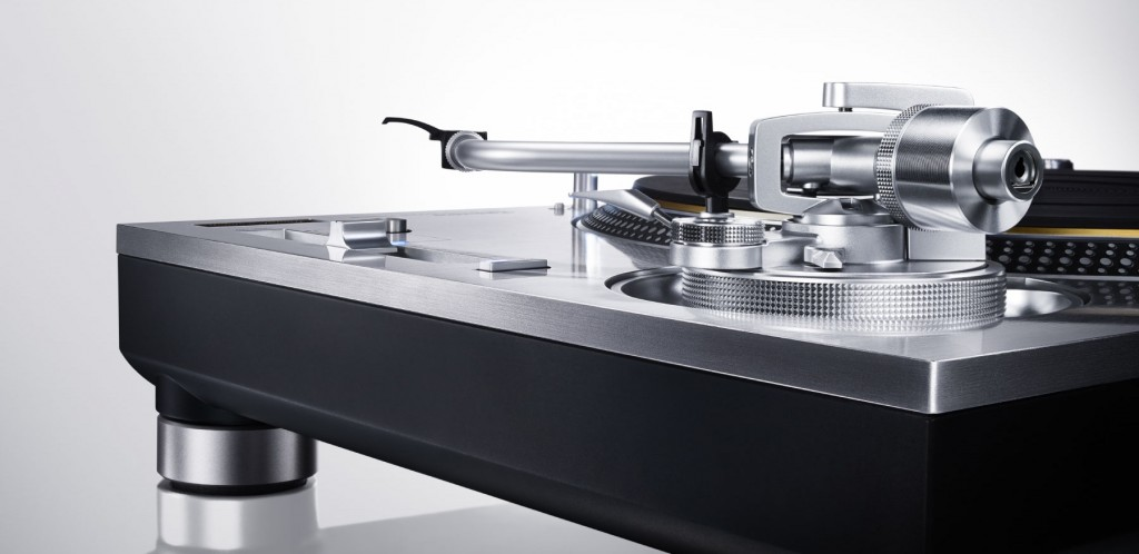 technics_sl1200g_side