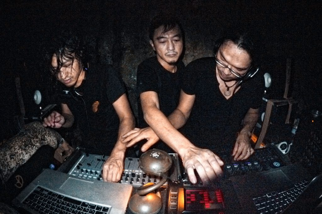 Live sets - necessarily, wonderfully, more chaotic than warmup DJ sets at your local club. Photo (CC-BY) Mixtribe - Japanese House Mafia.