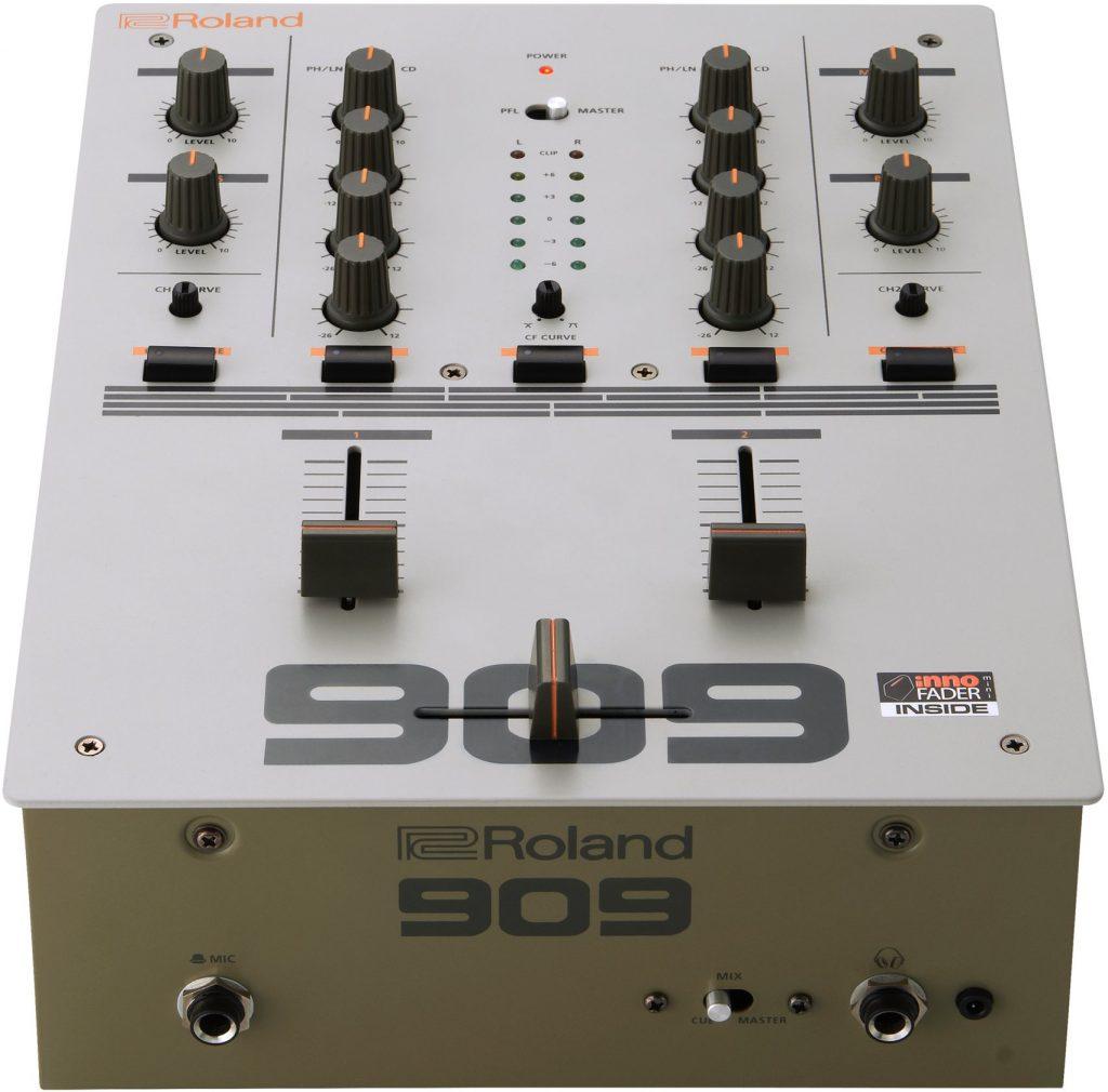 Roland_DJ-99_Front