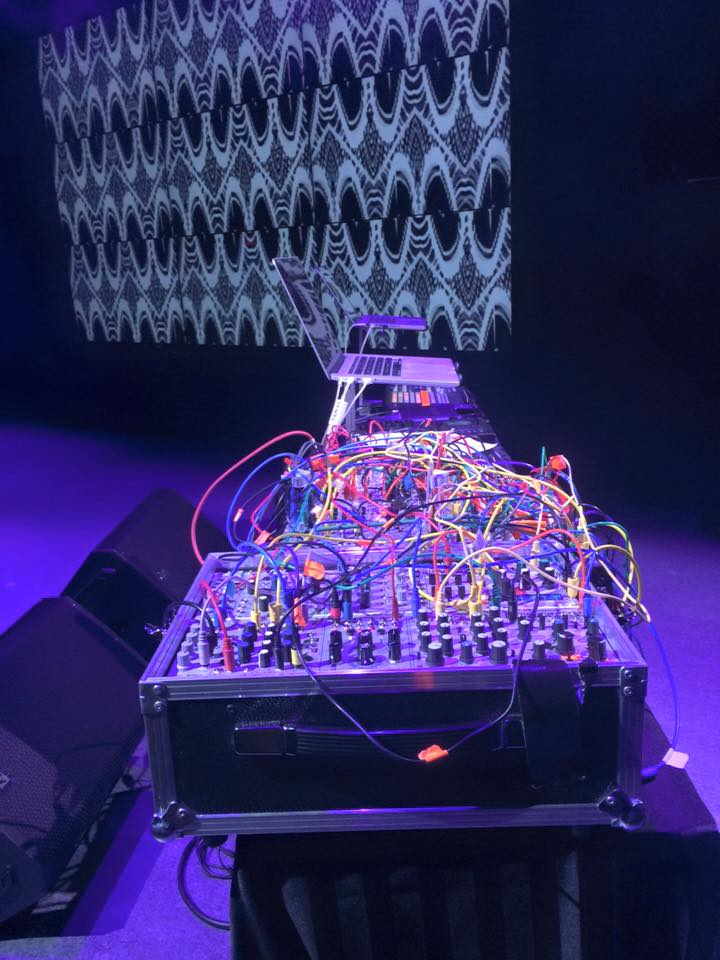 All those wires... Live Lab - Canada, 2016. Courtesy the artists.
