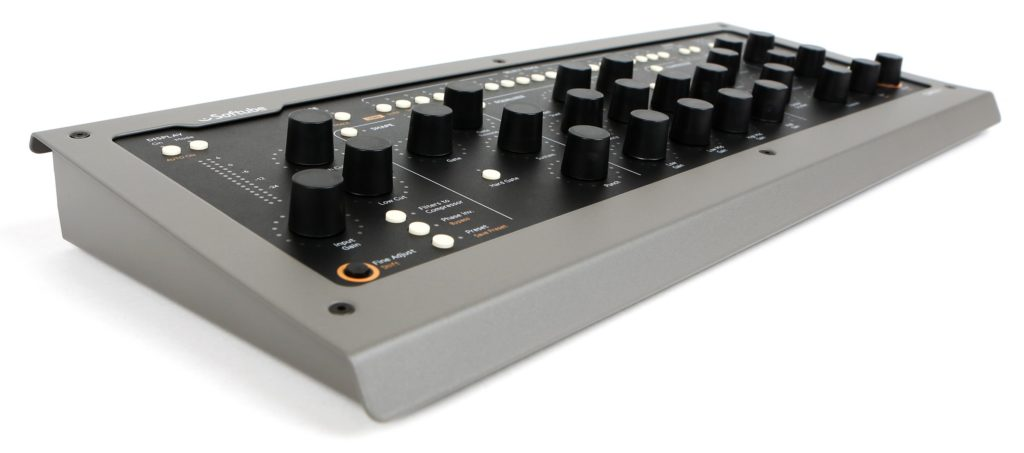 softube_console1_mk2_front_extreme_left_xw5a1363