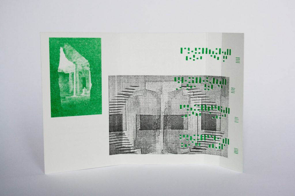 circular-ruins-the-thorned-maze-cassette_03