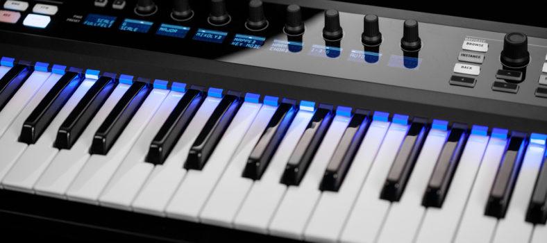 ni_komplete-kontrol-1-8_chord-feature_a