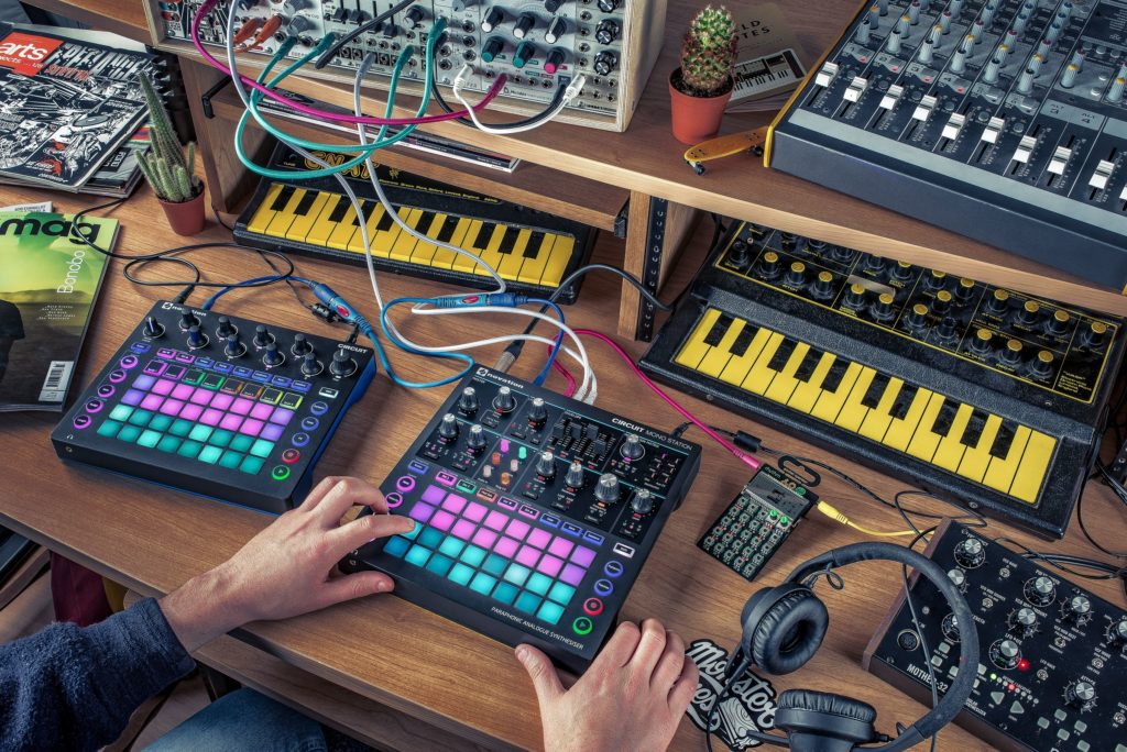 circuit_monostation_lifestyle2