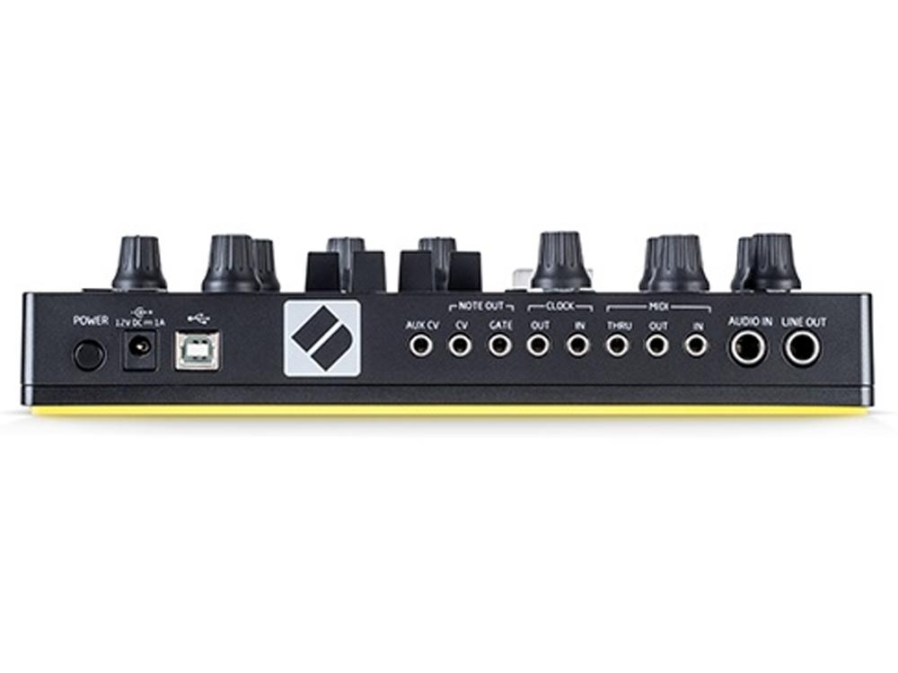 novation-circuit-mono-station2
