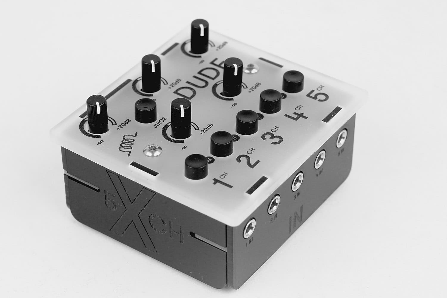 bastl 39 s dude is a 75 mixer in the space of four aa batteries cdm create digital music. Black Bedroom Furniture Sets. Home Design Ideas
