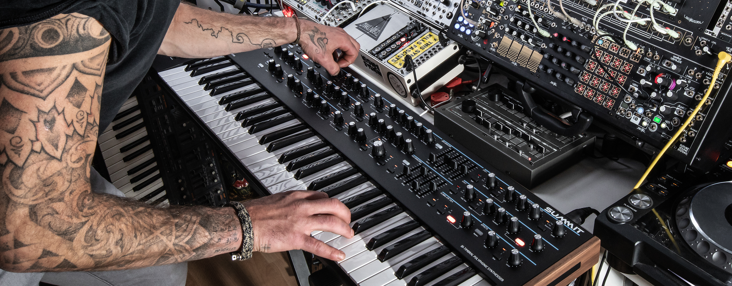 Novation's super synth for Superbooth leaks: 16-voice Summit - CDM