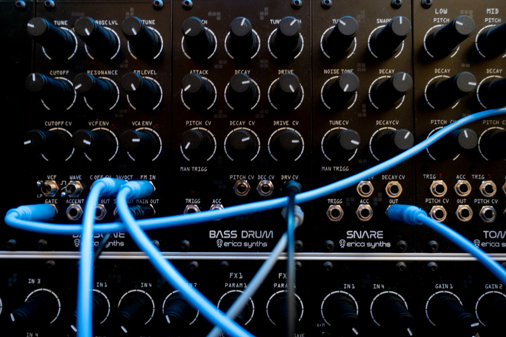 Hands on Erica Synths Techno System, dream industrial modular