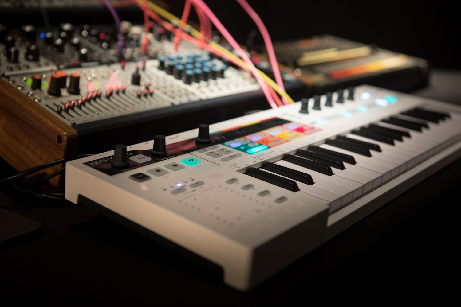 Live strategies for playing with Arturia KeyStep Pro and hardware: must-see videos - CDM Create Digital Music